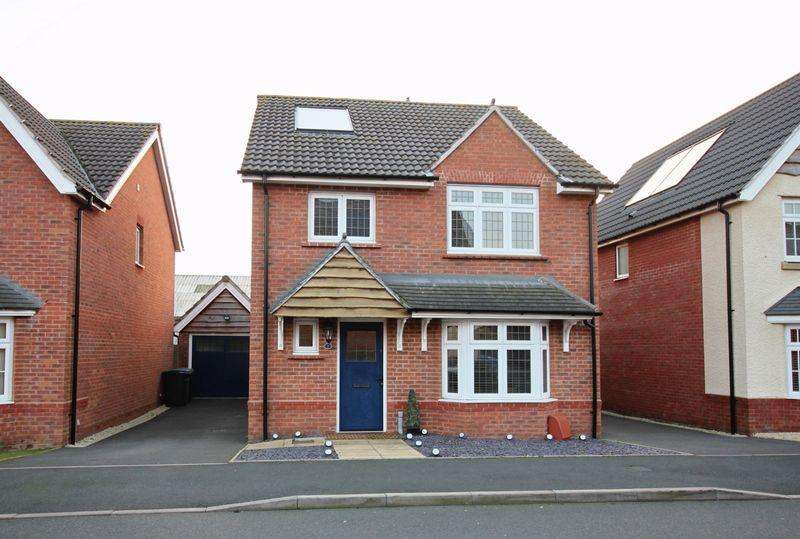 4 Bedrooms Detached House for sale in Lower Longlands, Tipton, DY4 9RD