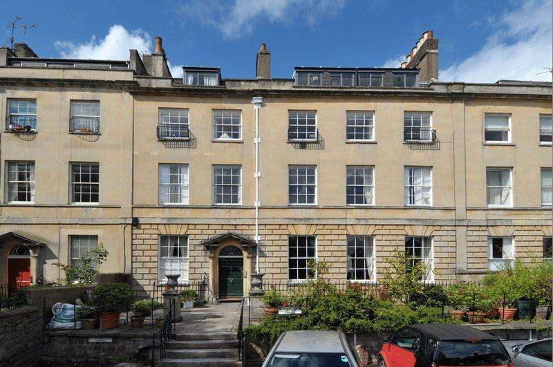 3 Bedrooms Apartment Flat for sale in Rodney Place, Clifton