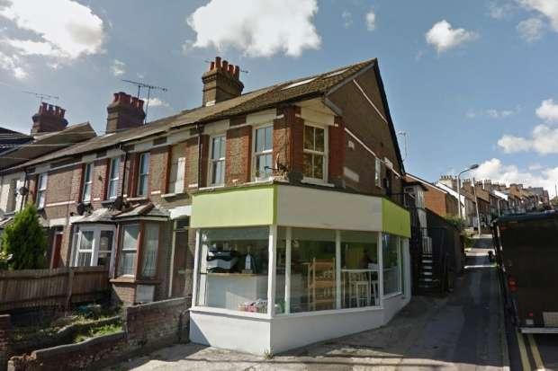 1 Bedroom Flat for sale in Berkhampstead Road, Chesham, Buckinghamshire, HP5 3HF