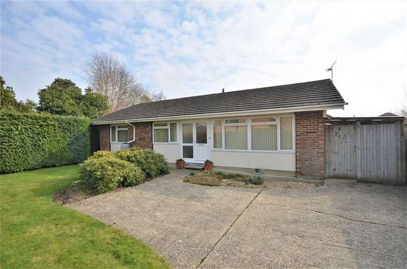 3 Bedrooms Detached Bungalow for sale in Cherry Tree Road, Rowledge, Farnham