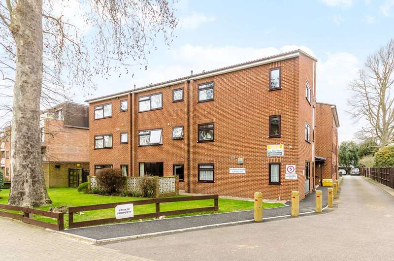 Studio Flat for sale in Bromley Road, Beckenham, BR3
