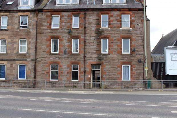 2 Bedrooms Flat for sale in Barrack Street, Perth, PH1