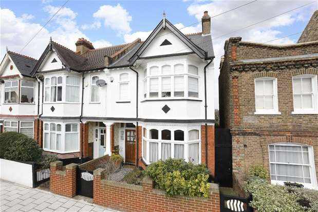 3 Bedrooms Semi Detached House for sale in Idmiston Road, London