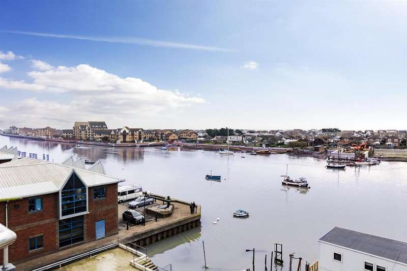 2 Bedrooms Apartment Flat for sale in Brighton Road, Shoreham - By - Sea