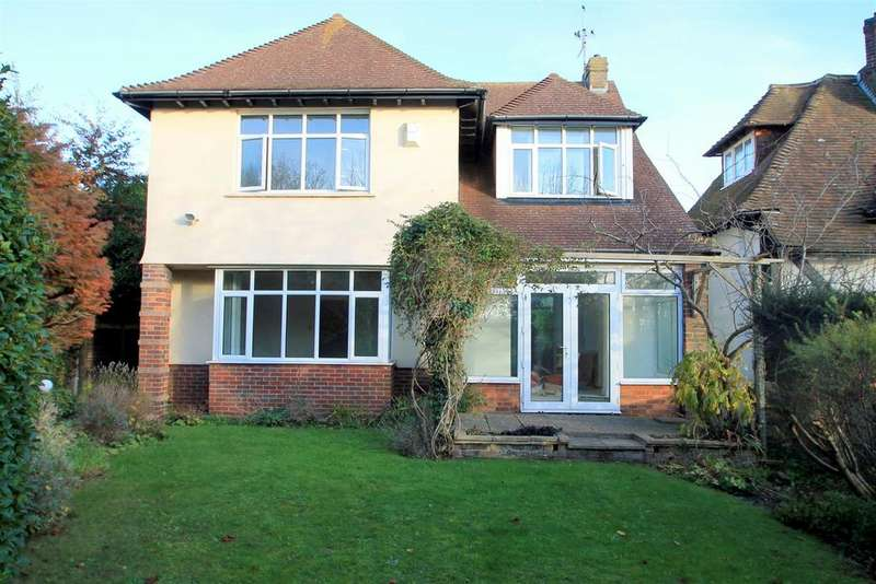 3 Bedrooms Detached House for rent in Mill Hill, Shoreham-By-Sea
