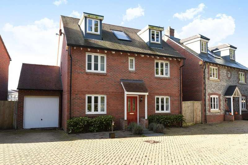 5 Bedrooms Detached House for sale in High Wycombe, Buckinghamshire, HP13