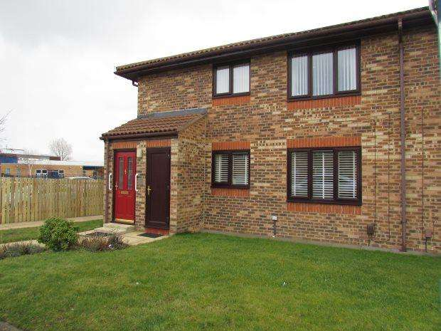 2 Bedrooms Ground Flat for sale in STAINDALE PLACE, BROOKE ESTATE, HARTLEPOOL