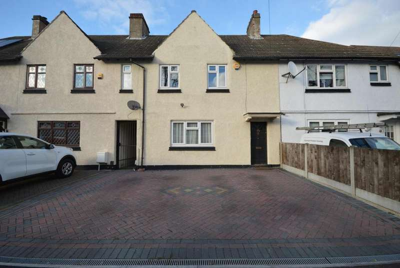 4 Bedrooms Terraced House for sale in Suttons Avenue, Hornchurch, Essex, RM12