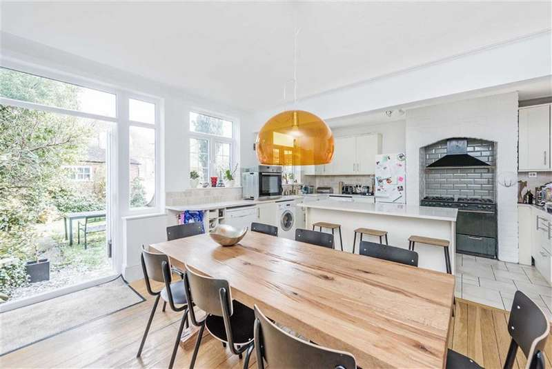 5 Bedrooms House for rent in Drewstead Road, London