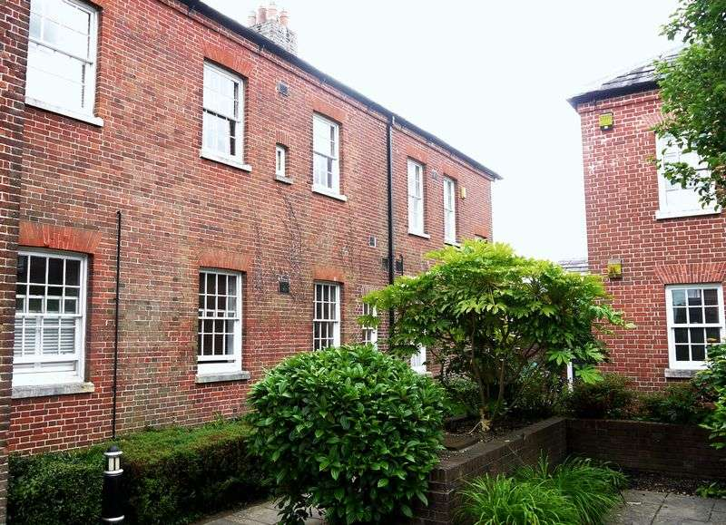 2 Bedrooms Property for rent in Maritime Avenue, Marchwood, Southampton