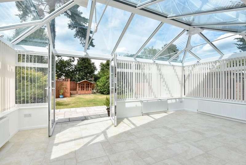 4 Bedrooms Detached House for rent in Blackwater, Surrey, GU17