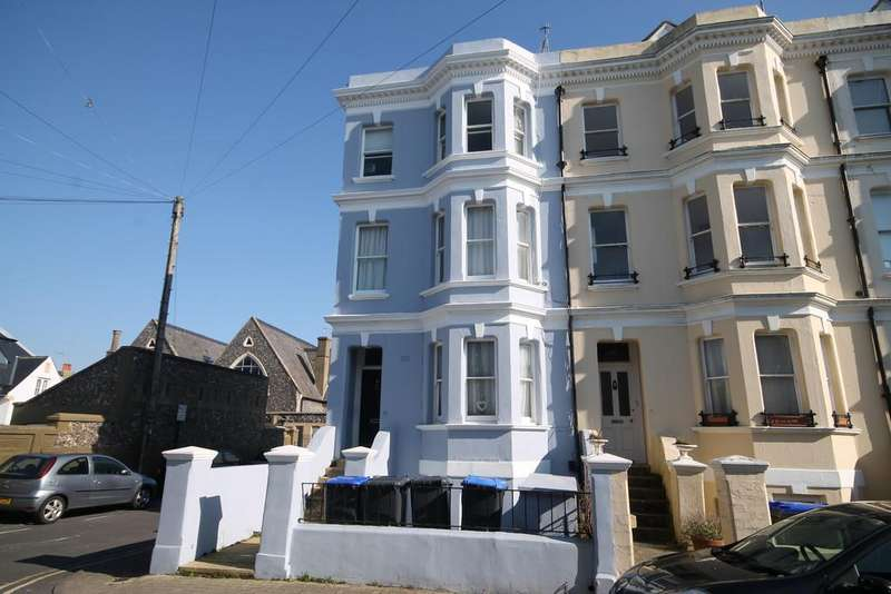 1 Bedroom Apartment Flat for sale in Grafton Road, Worthing BN11 1QT