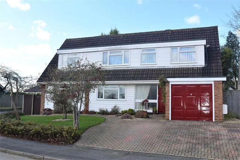 5 Bedrooms Detached House for sale in Springfield Road, Pamber Heath, Tadley, Hampshire, RG26
