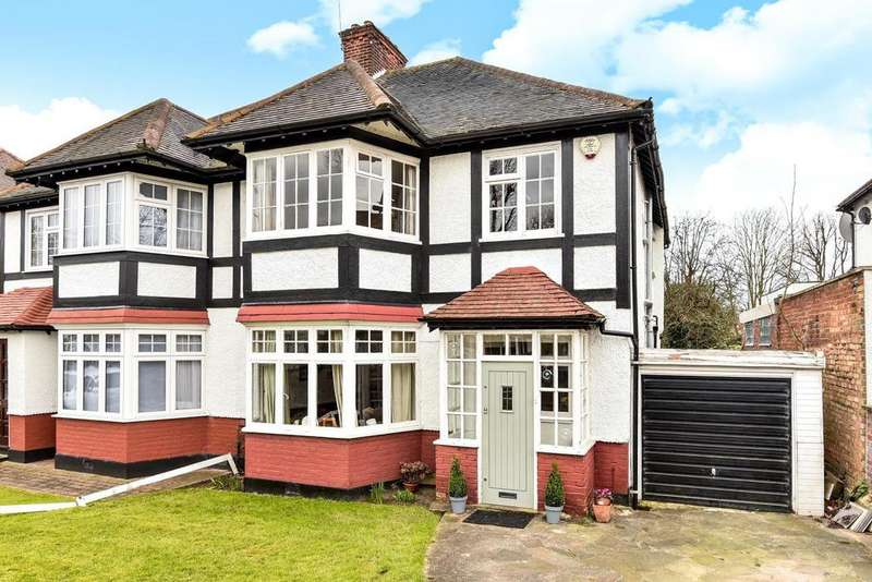 4 Bedrooms Semi Detached House for sale in Friern Watch Avenue, North Finchley