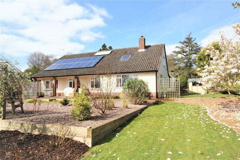 4 Bedrooms Detached Bungalow for sale in Quarry House Lane, Market Drayton