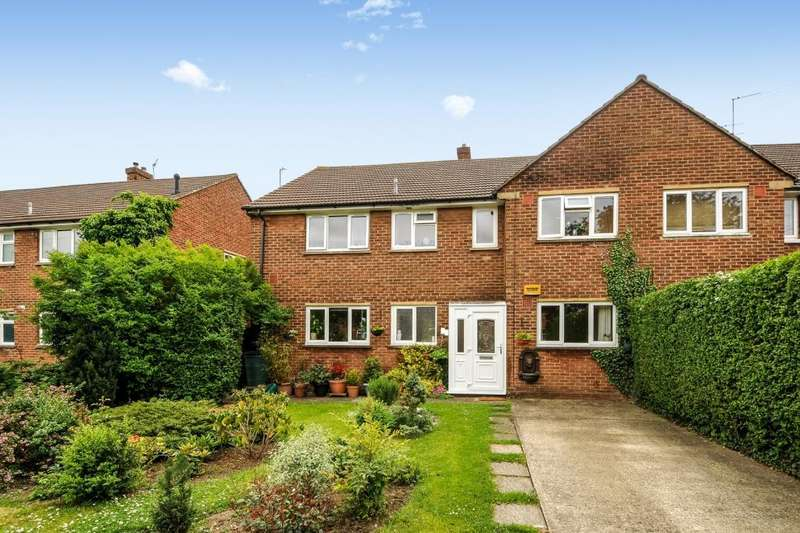 2 Bedrooms Maisonette Flat for sale in Whaddon Chase, Aylesbury, HP19