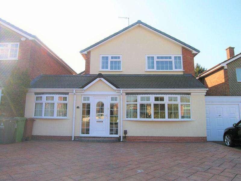 4 Bedrooms Link Detached House for sale in Kingshayes Road, Aldridge