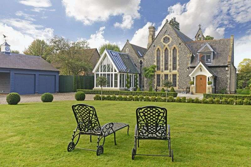 4 Bedrooms Property for sale in Chapel Lane, Hertford