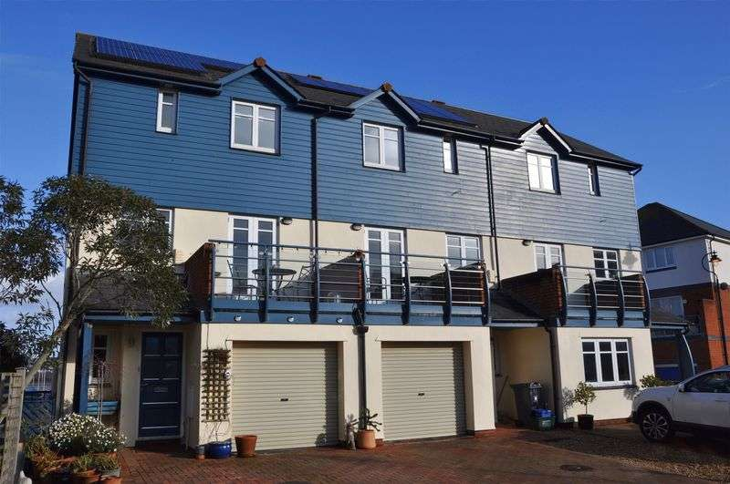 2 Bedrooms Property for sale in Schooners Court, Exmouth