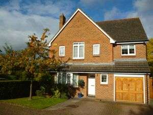 4 Bedrooms Property for sale in Highfield, Watford