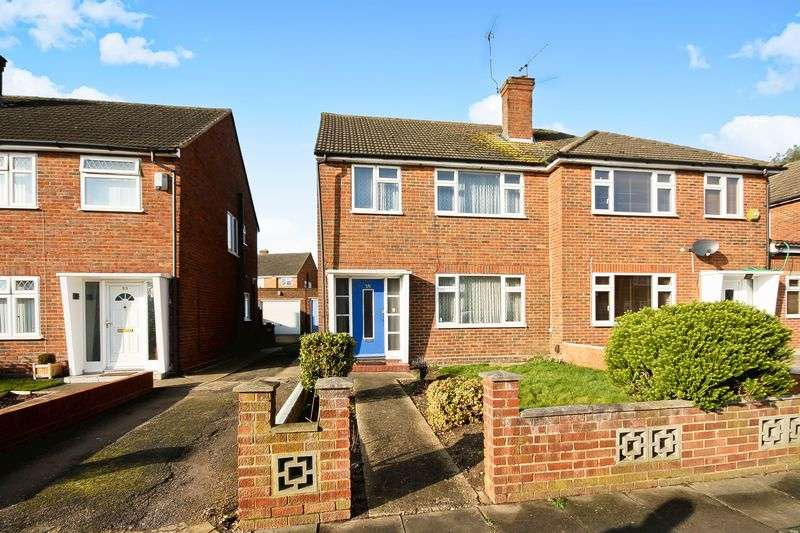 3 Bedrooms Property for sale in Lilliput Avenue, Northolt