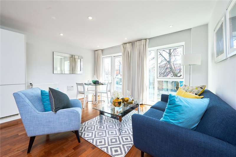 2 Bedrooms Flat for sale in Townshend House, Rosemont Road, London, W3