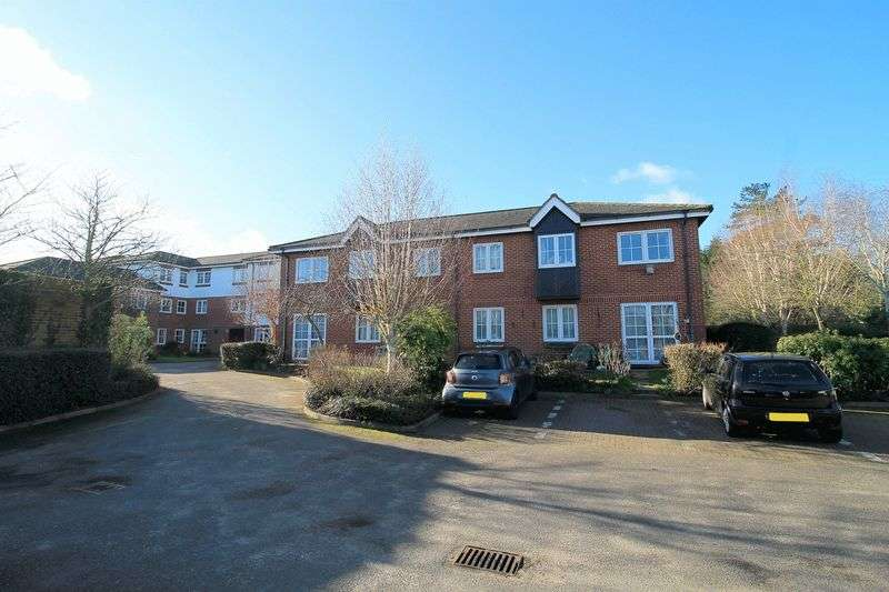 1 Bedroom Property for sale in Woodmere Court, Southgate, N14 4BW