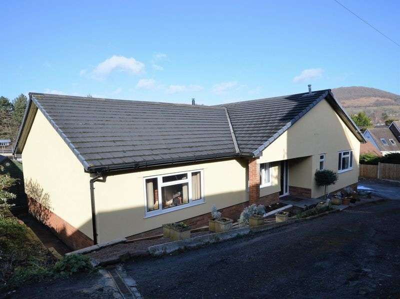 4 Bedrooms Property for sale in Union Road West, Abergavenny