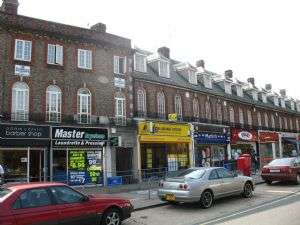 2 Bedrooms Property for sale in Canons Corner, Edgware, Middlesex, HA8 8AE