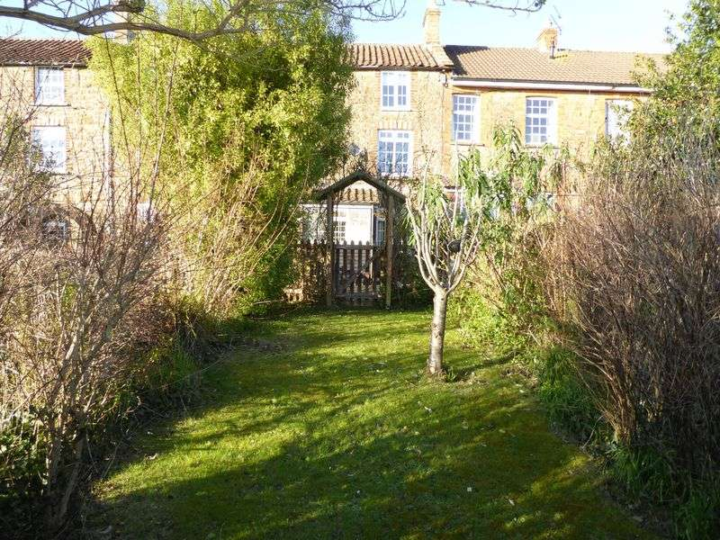 3 Bedrooms Property for sale in Butts Castle, Ilminster