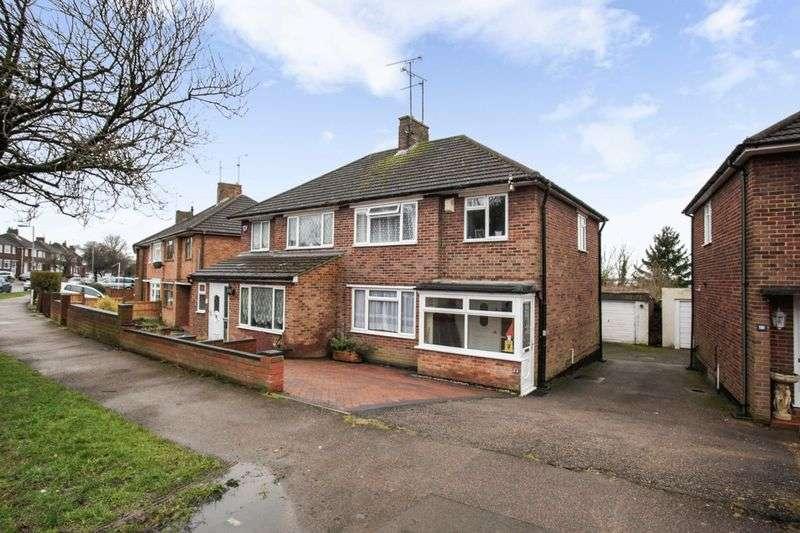 3 Bedrooms Property for sale in Grampian Way, Luton
