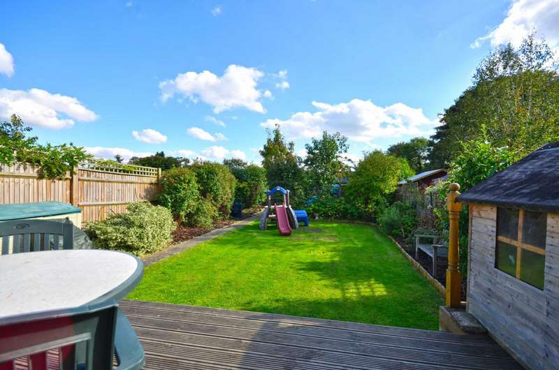 3 Bedrooms Semi Detached House for sale in Springwell Avenue, Rickmansworth, Hertfordshire, WD3