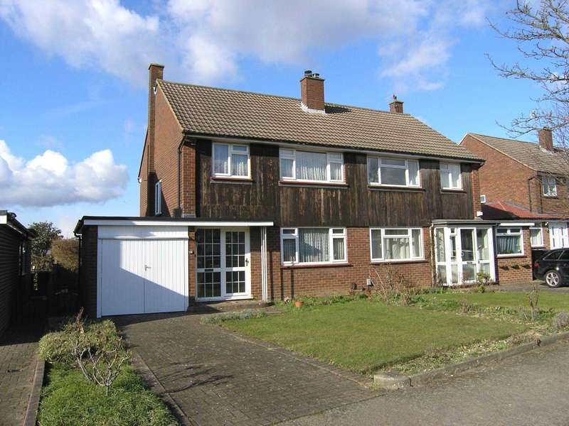 3 Bedrooms Semi Detached House for sale in Farm Way, Bushey