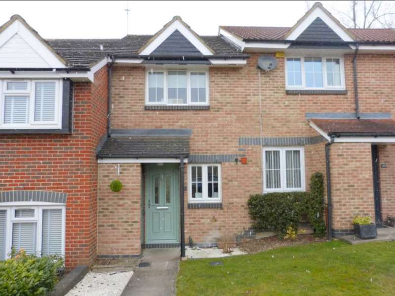 2 Bedrooms Terraced House for sale in Robeson Way, Borehamwood