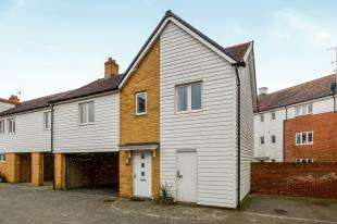 2 Bedrooms Flat for sale in Maurice Buckmaster Lane, Ashford, Kent