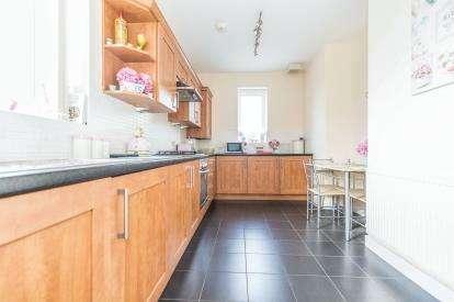 2 Bedrooms Flat for sale in Lilafield Court, 9 Heather Croft, Birmingham, West Midlands