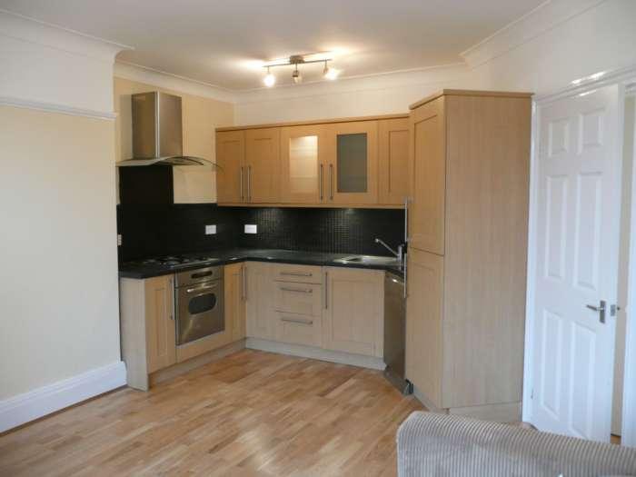 2 Bedrooms Apartment Flat for rent in Split Level Conversion, Broomfield Road, Bexleyheath