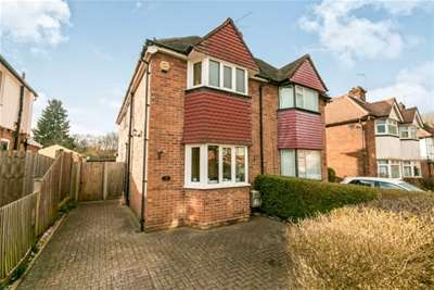 5 Bedrooms House for rent in Cherry Tree Avenue, Guildford