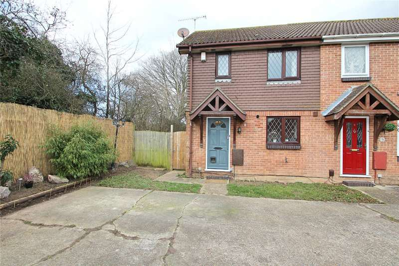 3 Bedrooms Semi Detached House for sale in Harlech Close, Durrington, Worthing, BN13