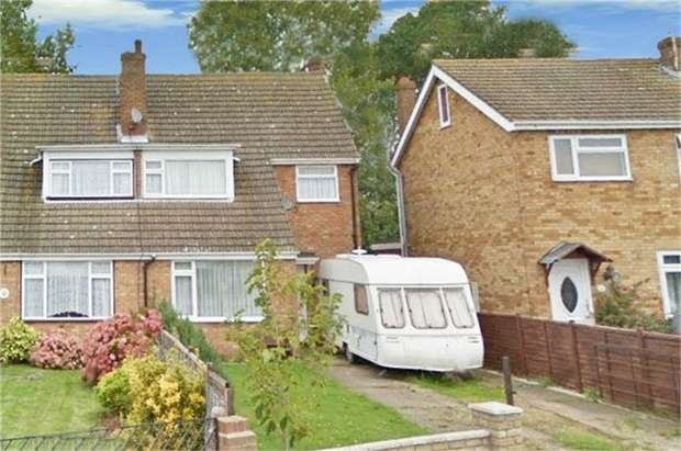 2 Bedrooms Semi Detached House for sale in Seymour Road, Jaywick, Clacton-on-Sea, Essex