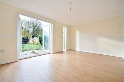 3 Bedrooms End Of Terrace House for rent in Baze shaw, Longfield, DA3
