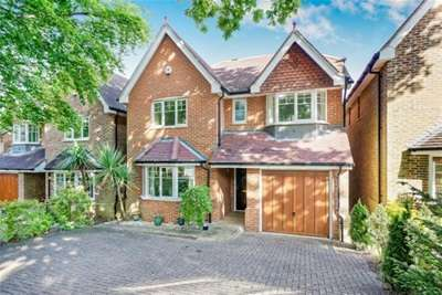4 Bedrooms House for rent in Nine Mile Ride, Finchampstead