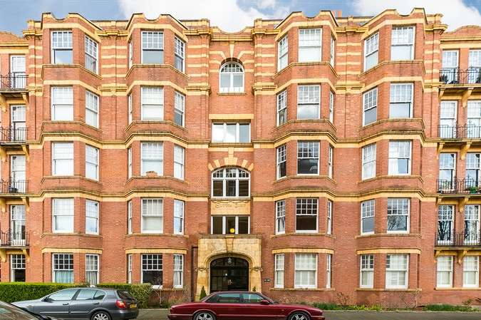 4 Bedrooms Flat for sale in Sutton Court, Fauconberg Road, Chiswick