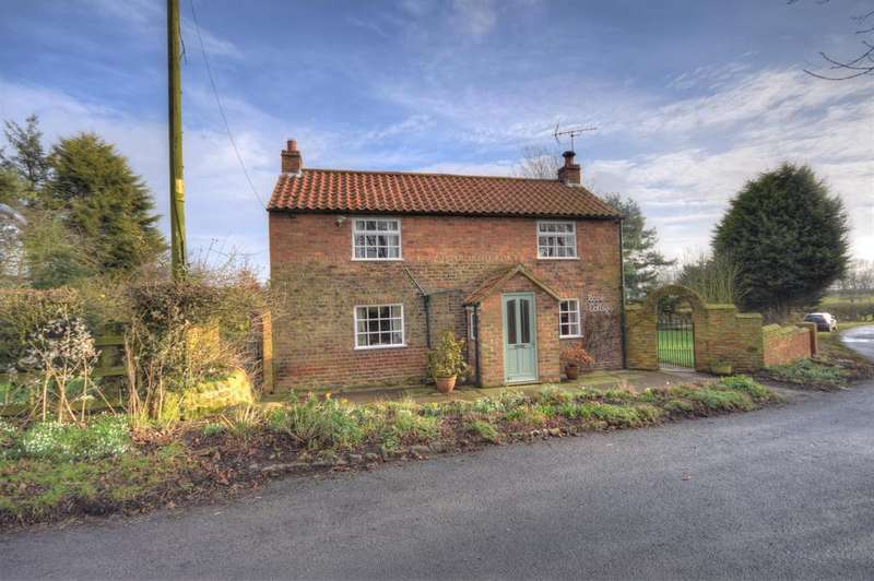 3 Bedrooms Detached House for sale in Fraisthorpe, Bridlington, YO15 3QT