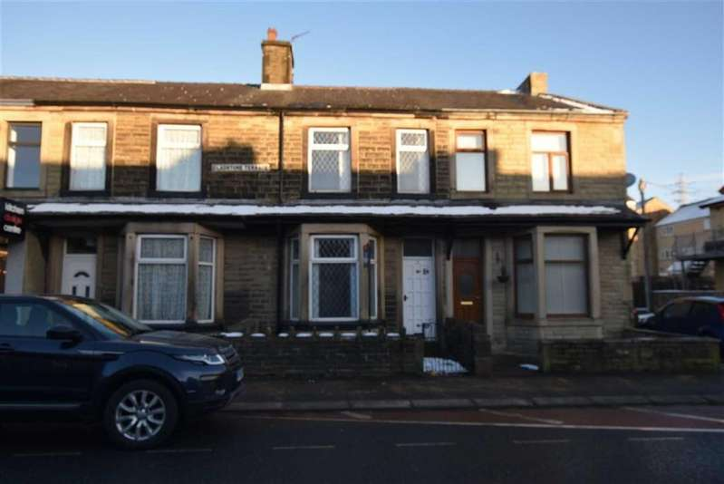 3 Bedrooms Terraced House for rent in Gladstone Terrace, Barrowford, Lancashire