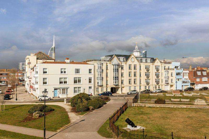 2 Bedrooms Apartment Flat for sale in Penny Street, Old Portsmouth