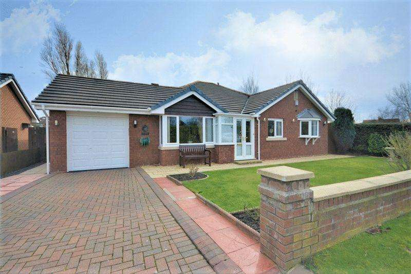 3 Bedrooms Bungalow for sale in Knob Hall gardens, Southport