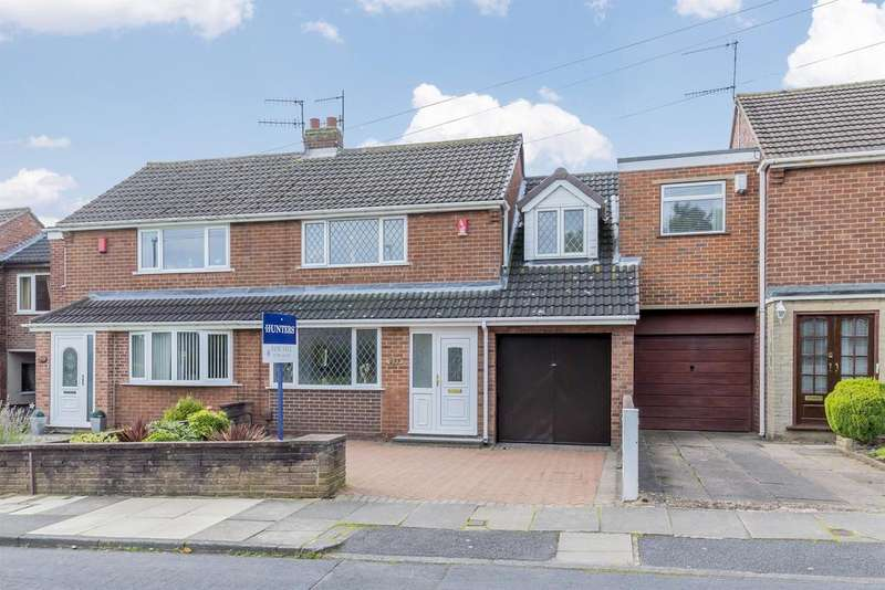 4 Bedrooms Semi Detached House for sale in Chell Heath Road, Stoke-on-Trent, ST6 7LR