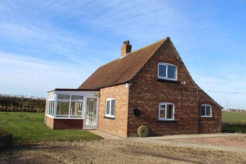 2 Bedrooms Detached House for sale in Wainfleet Road, Irby-in-the-Marsh, Skegness, PE24 5AZ