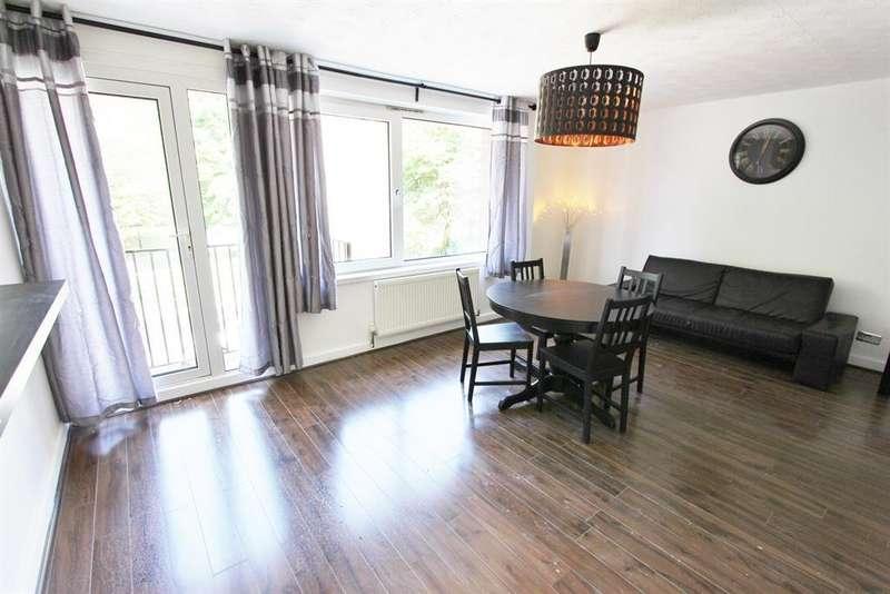 3 Bedrooms Maisonette Flat for sale in Church Street, Stratford, London, E15 3HX